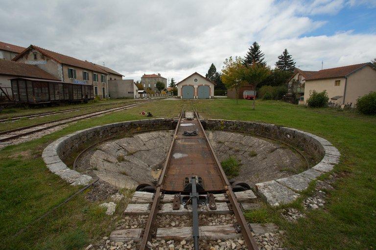 ©Simon Bugnon - Dolce Via - Ardèche - St AGREVE - La gare - 2015 oct. - n°2.jpg
