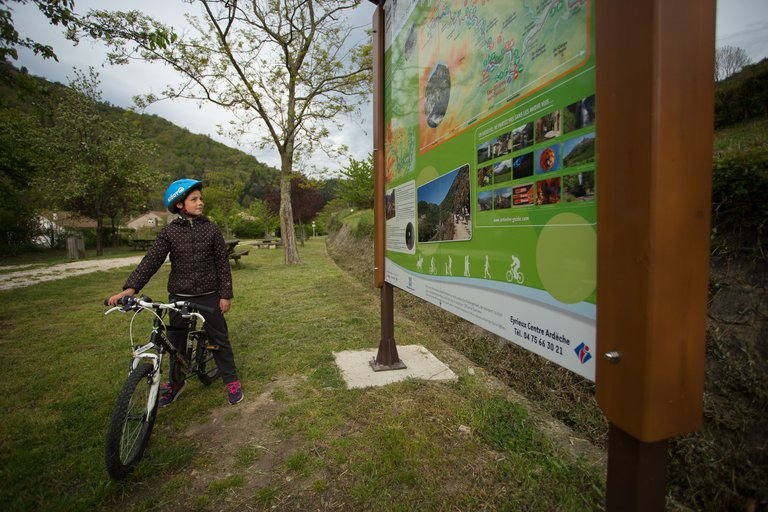 ©Simon Bugnon - Dolce Via - Ardèche - 2016 avril - n°2.jpg