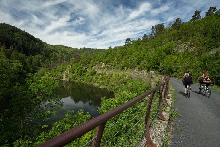 ©Simon Bugnon - Dolce Via - Ardèche - St-JULIEN-LABROUSSE.jpg