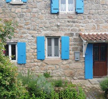 Photo Les volets bleus